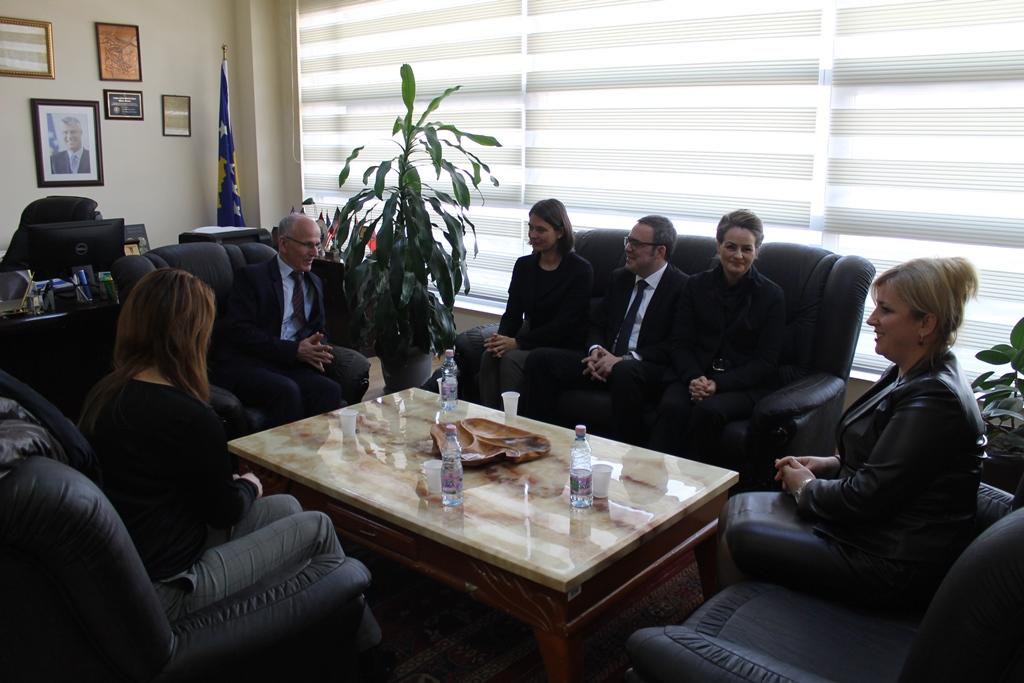 Kryetari Azizi mirëpret ndihmën e ekspertëve të BE-së