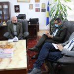 Kryetari Azizi pret në takim zyrtarët e OSCE-së