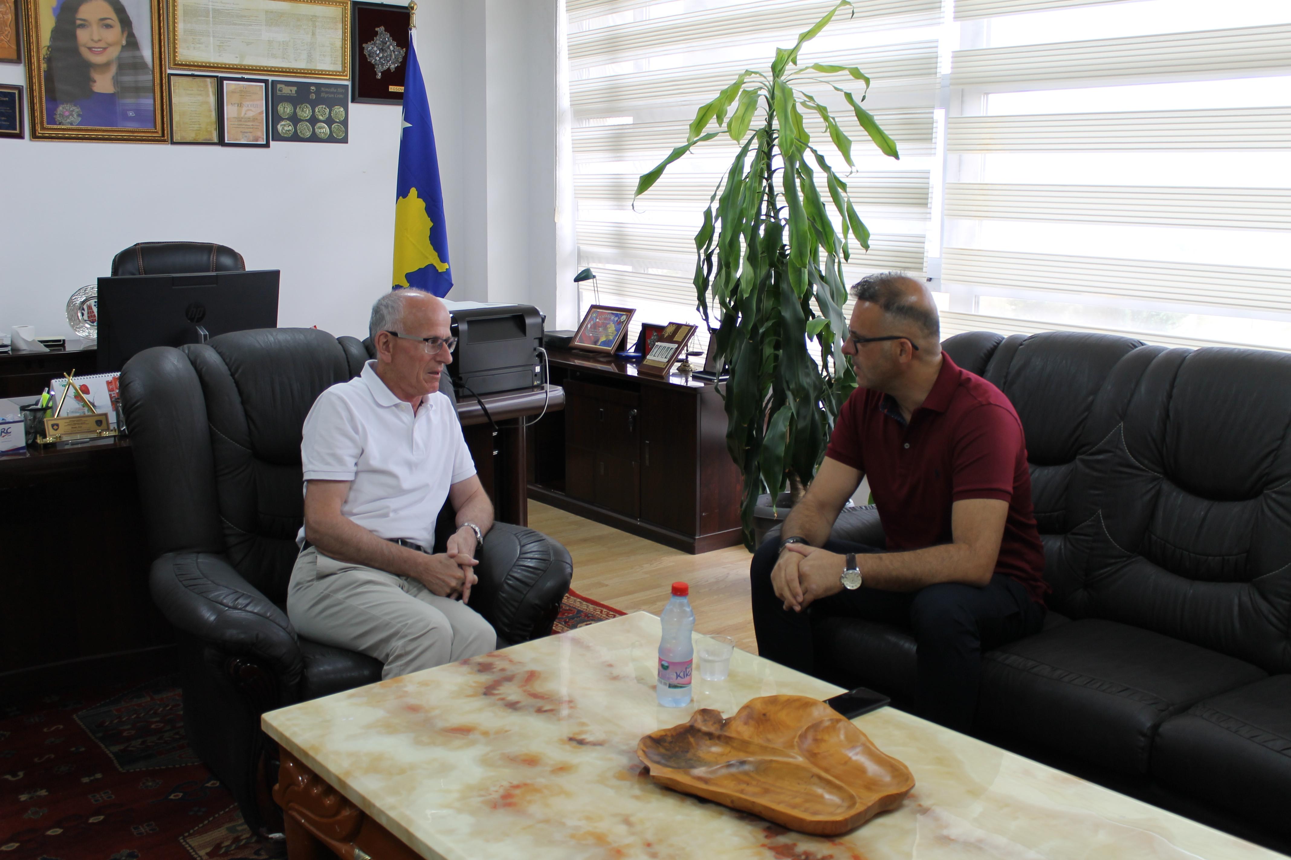 """Gjykata mirëpret bashkëpunimin me Universitetin """"Kadri Zeka"""""""
